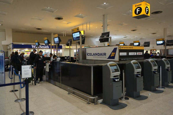 Icelandair Check-in counter at London Hearthrow.jpg